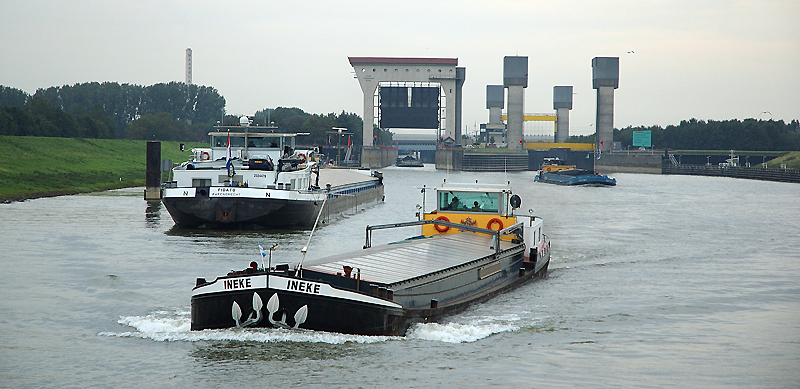 Water management challenges of the Amsterdam-Rhine Canal